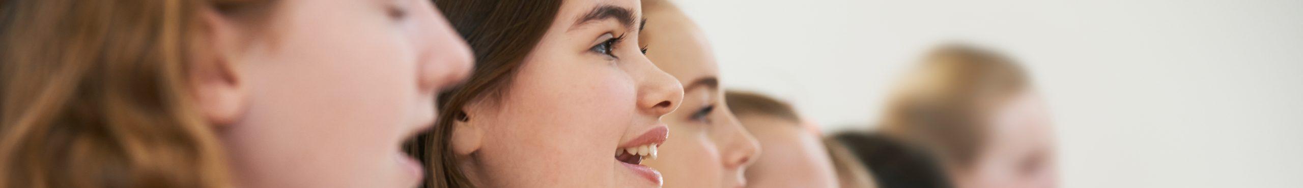 Singen macht Freude und verbindet! OER-Lehrmittel zum Unterrichten von Singen.